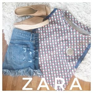{Zara} fun, unique crop top with chambray trim